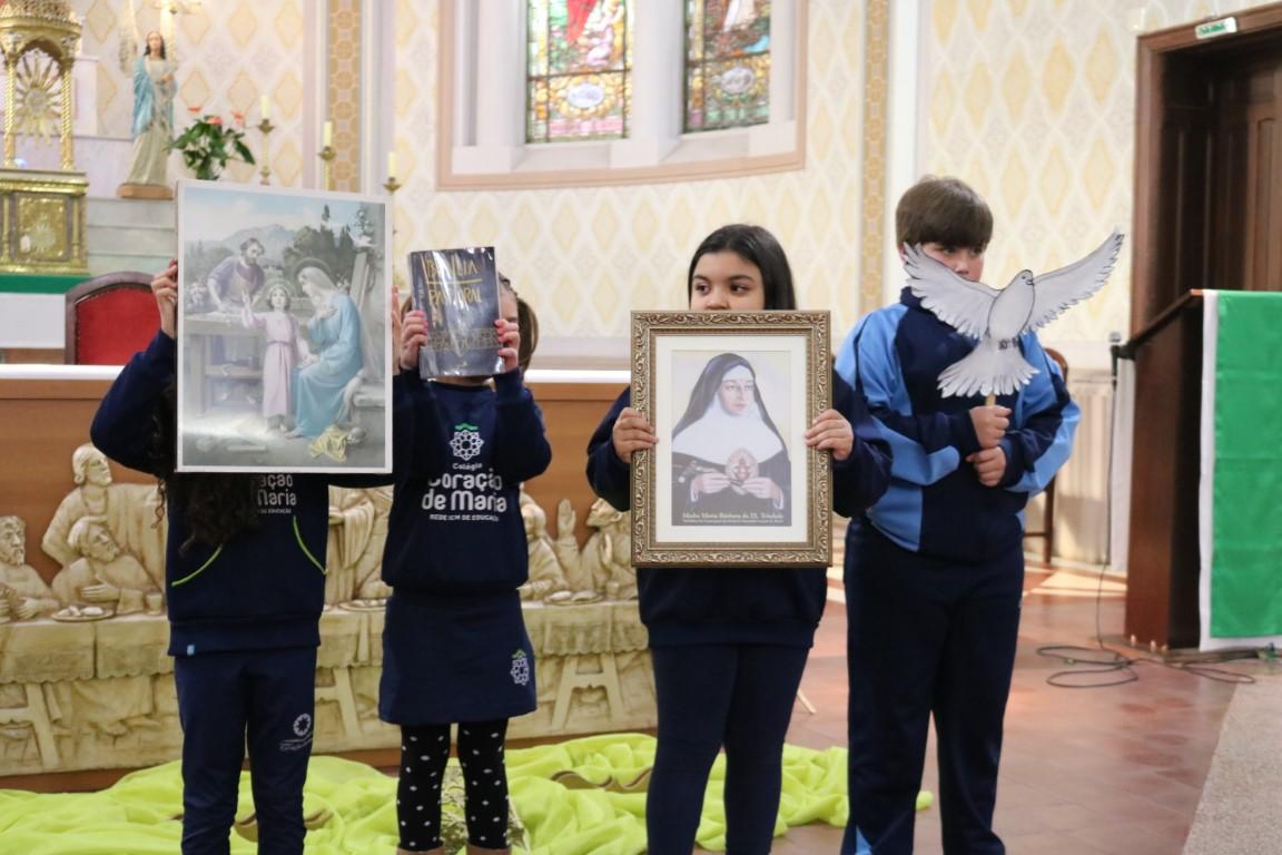 Missa em homenagem às famílias encerra mês vocacional