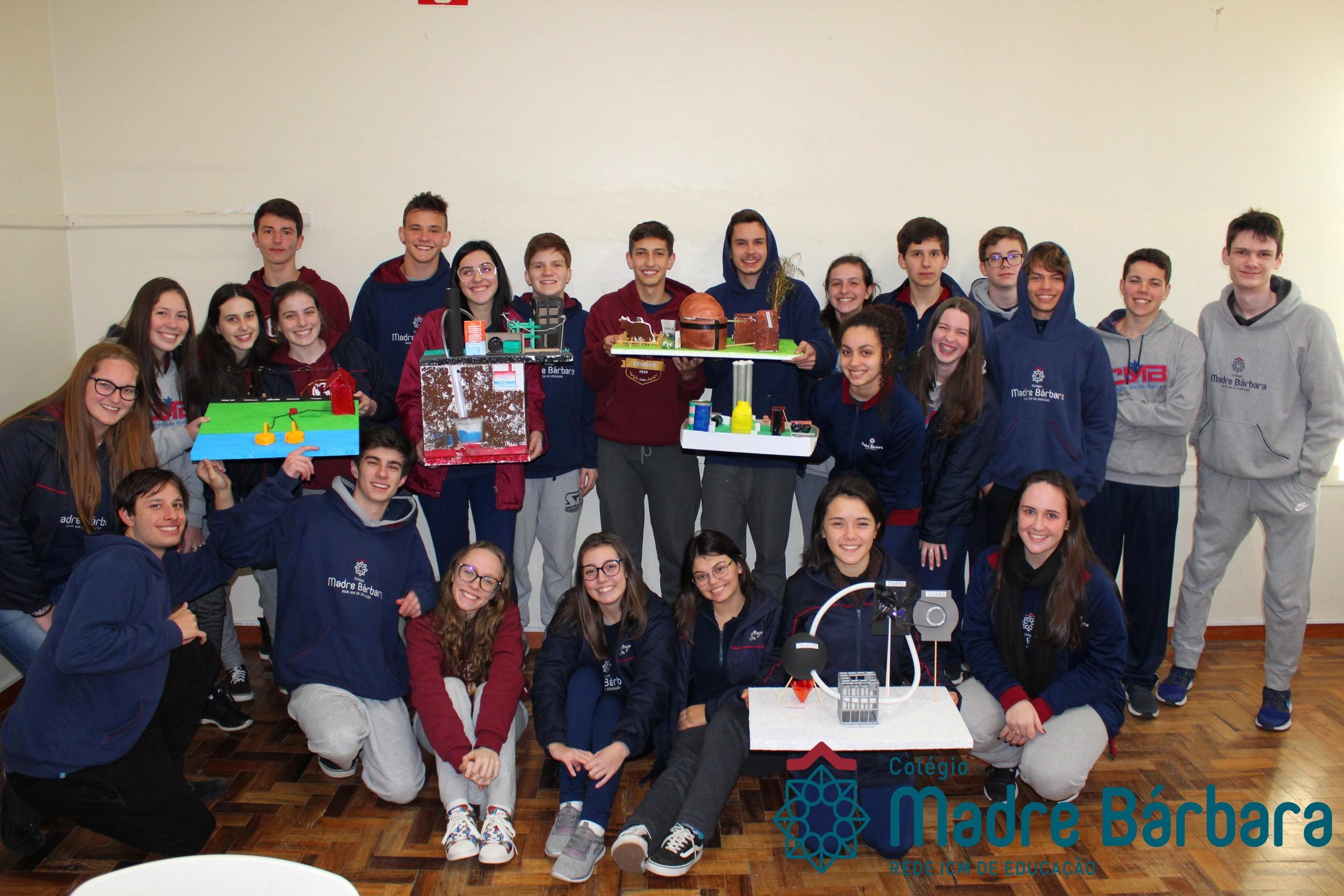 Estudantes do Ensino Médio constroem maquetes de usinas de energia