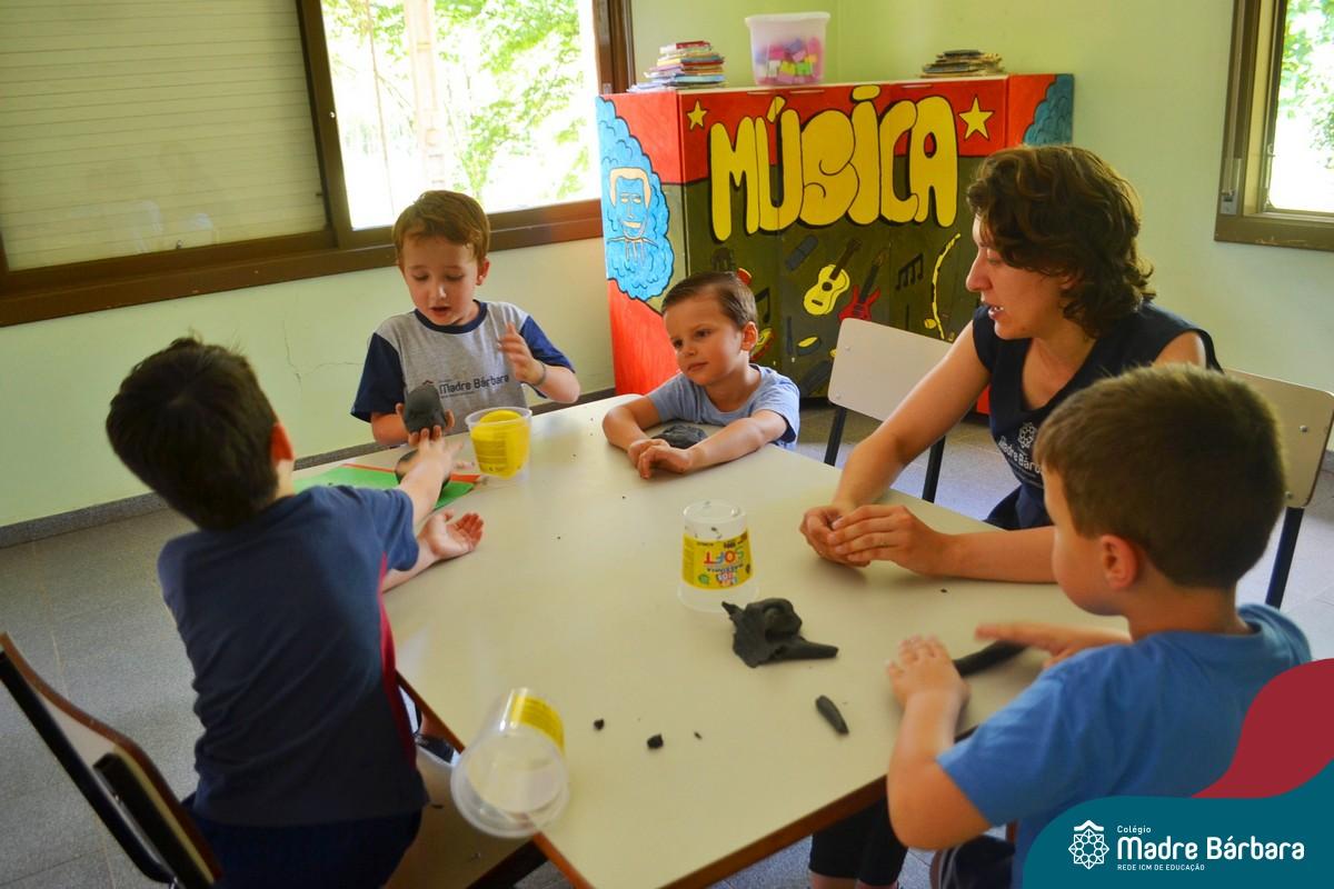 Crianças aproveitam Projeto de Férias do CMB