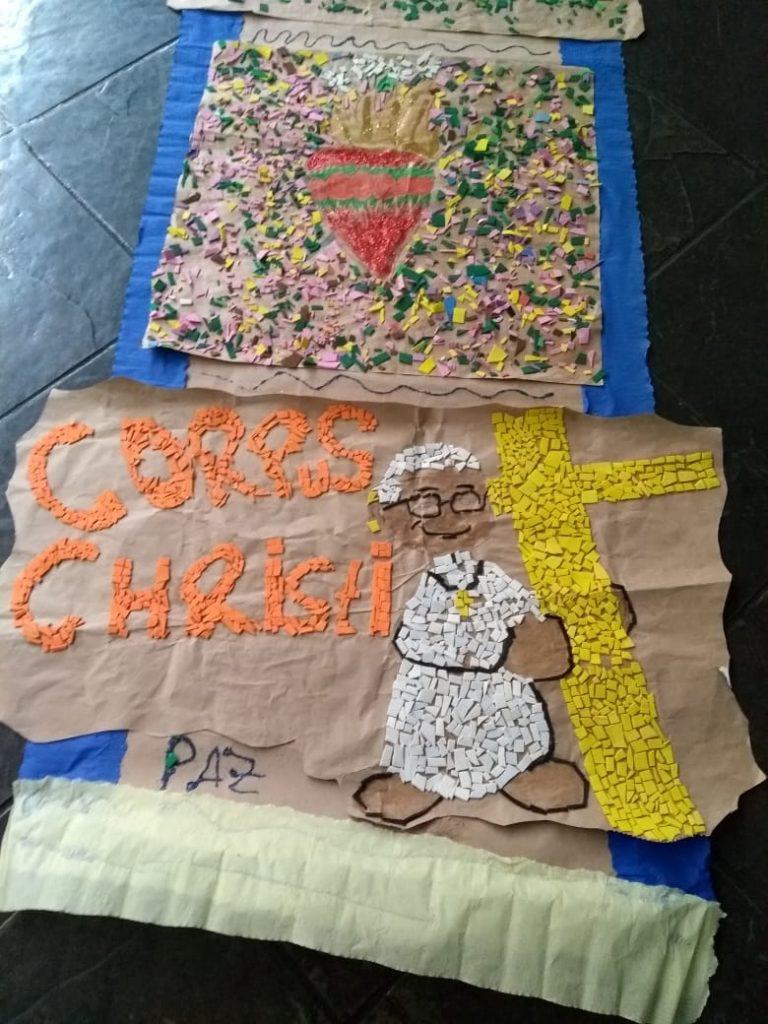 Confecção dos tapetes de Corpus Christi