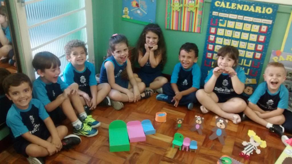 """A turma do Pré 1A participou da Hora do conto, com o clássico infantil: """" Cachinhos Dourados"""""""